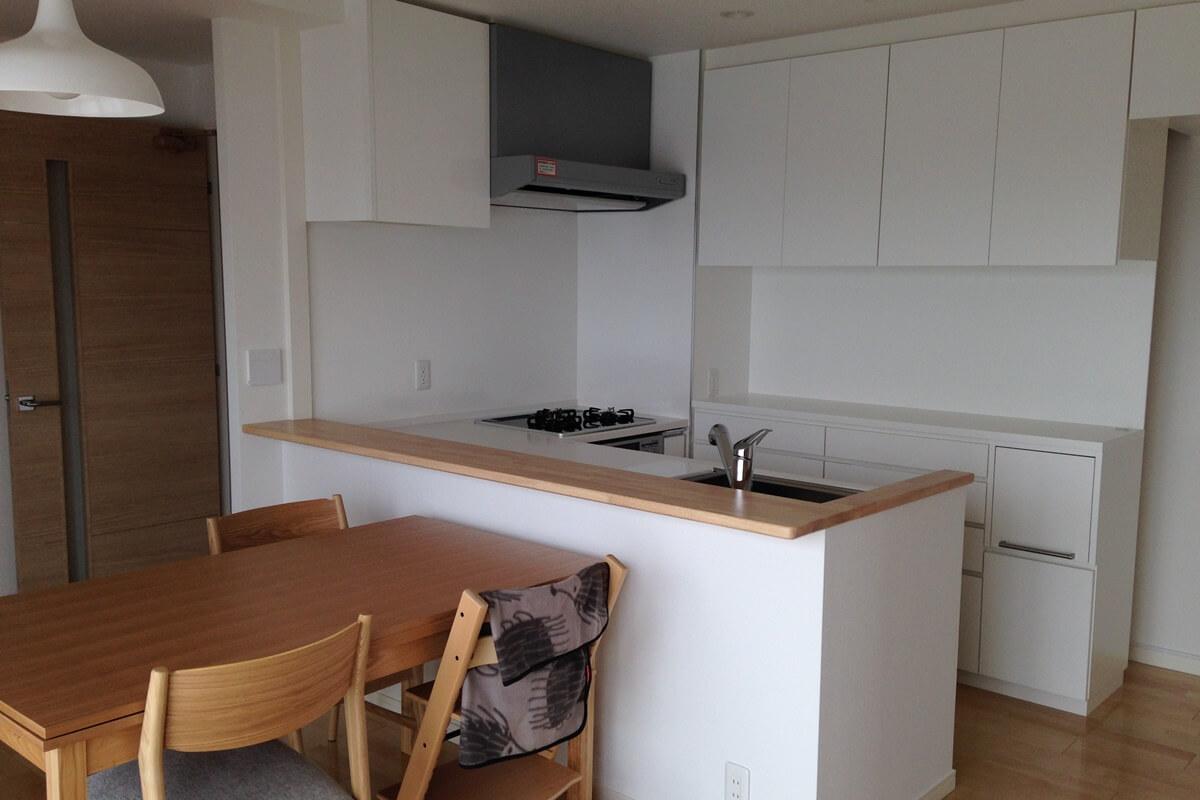 シンプルなキッチン収納