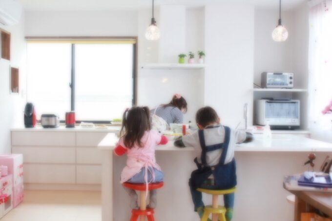 家族が笑顔になるアイランドキッチン