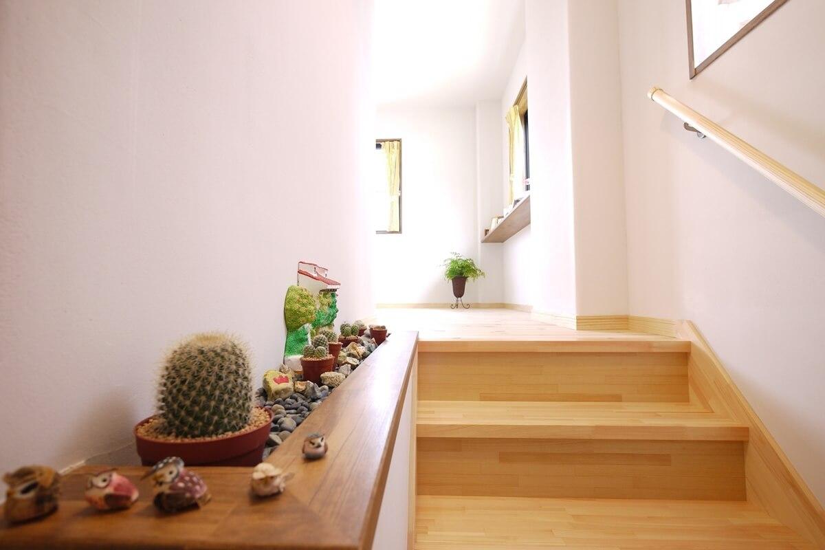 飾るステージのある階段