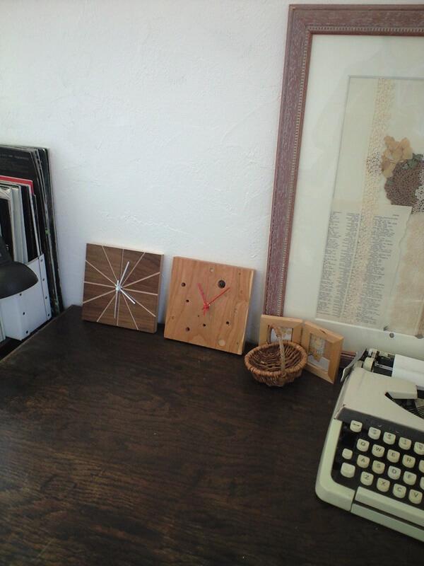 木の壁掛時計「TARTE」と「FROMAGE」