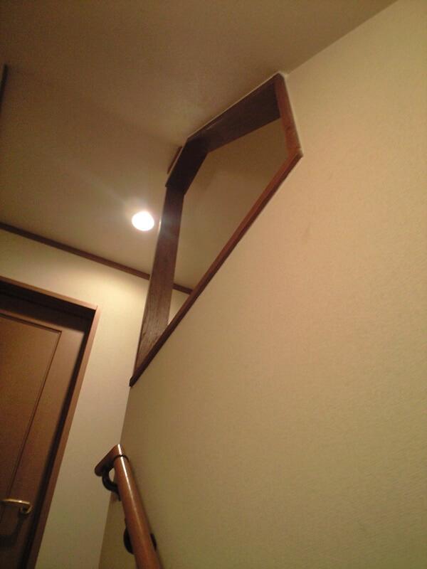 階段部分の暗さを解消する開口を設けました