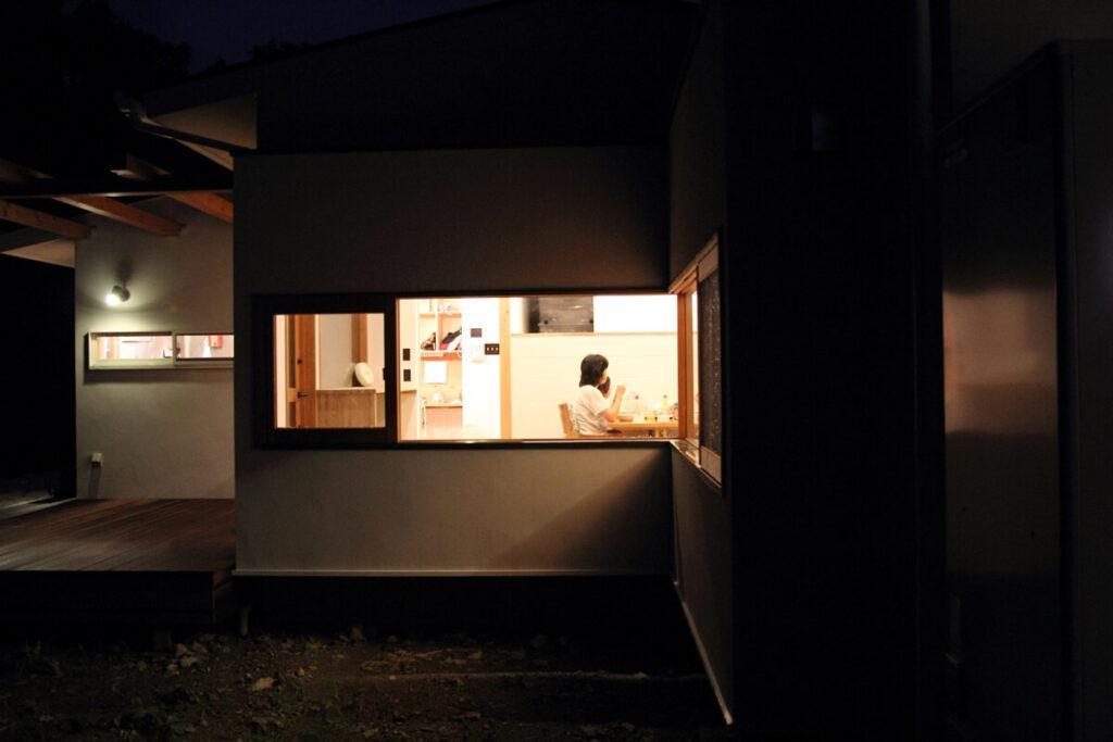 北欧スタイルの家(森を望む家)
