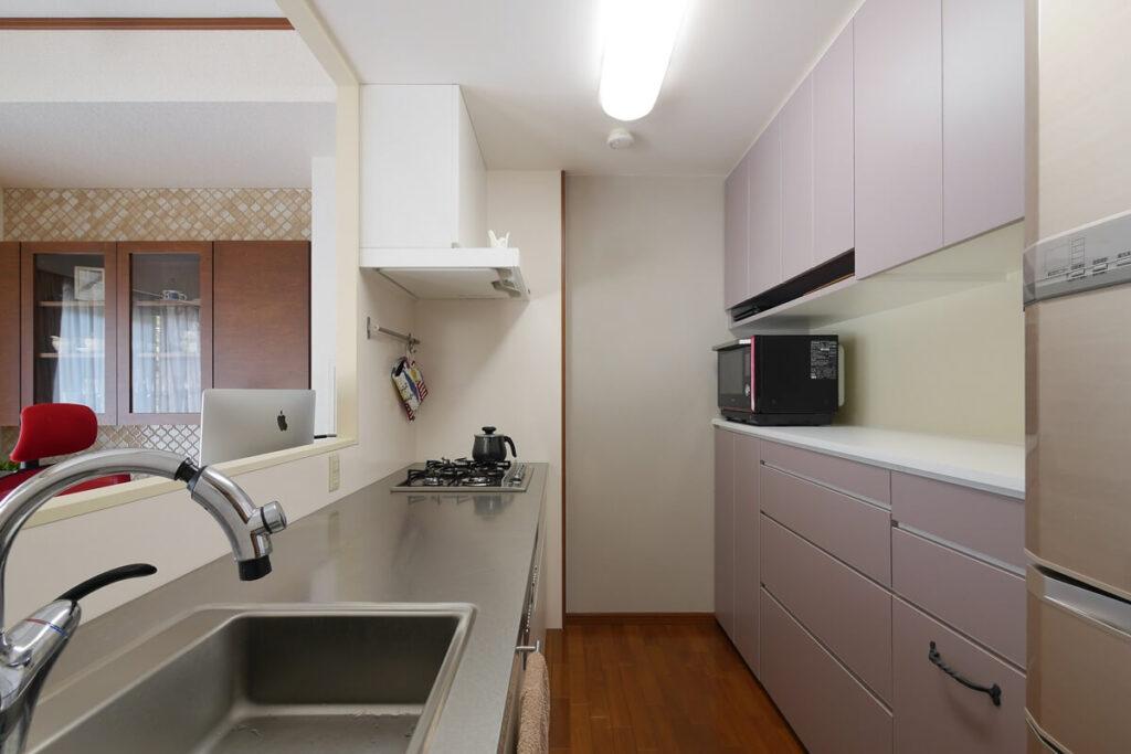 細かい寸法で機能的にデザインしたキッチン