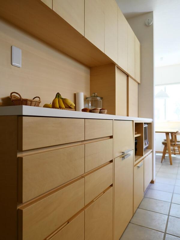 前の家で使用していたキッチン背面収納を再利用