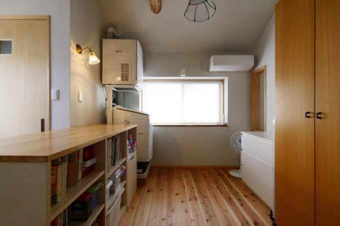 フリースペースは洗濯機やガス乾燥機、部屋干しもできる家事空間です