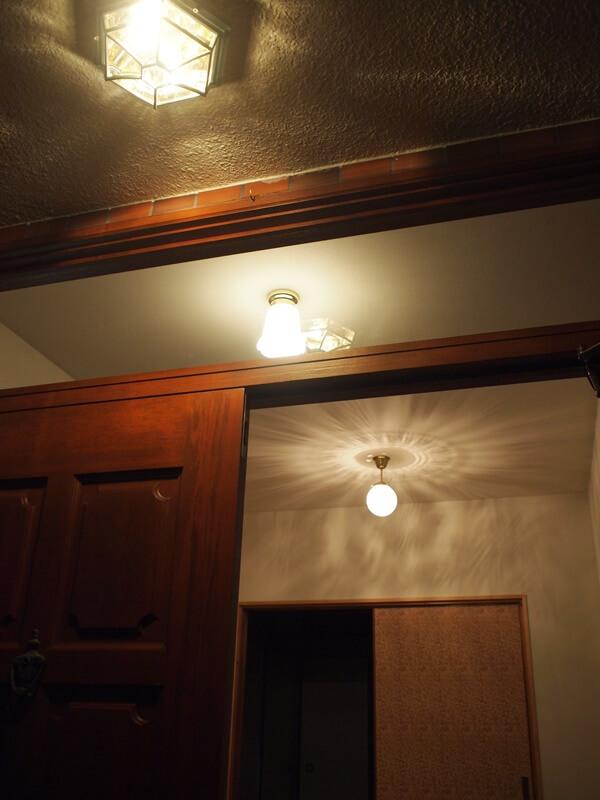 玄関ホールの照明