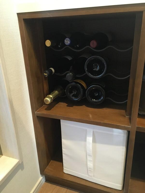 パントリー収納家具にワインラックを設けました