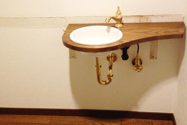トイレの手洗いの入替