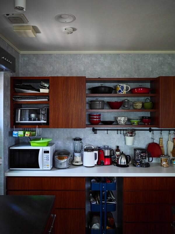 キッチン背面収納の上部はOPENメインに